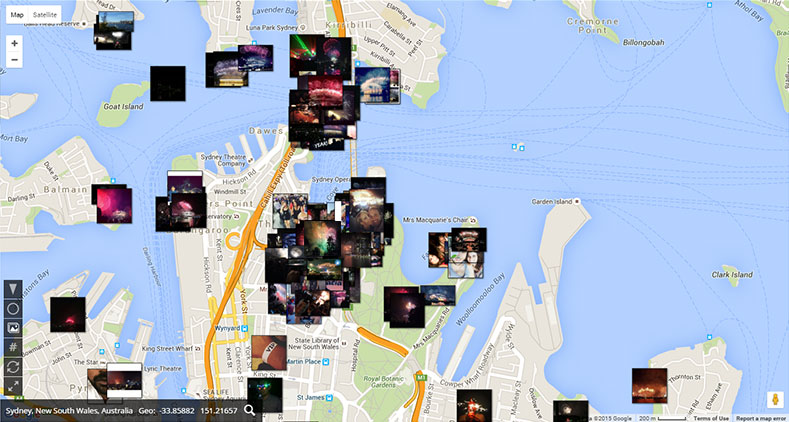 Geolocated tweets photo overlay